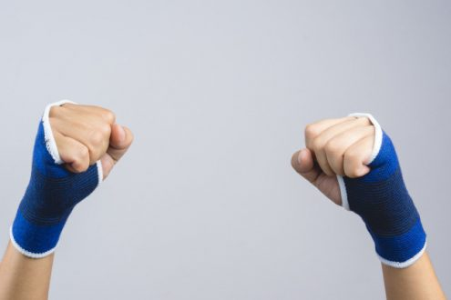Clenched Fist Syndrome Symptoms, Causes, Treatment